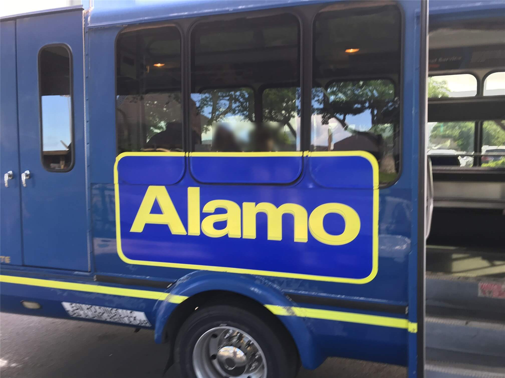 kona airport alamo bus1