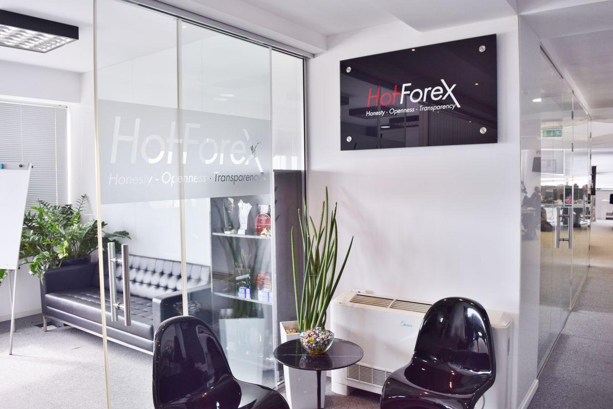 HotForex-受付付近スペース