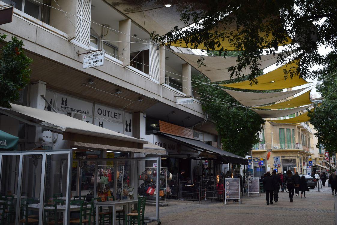ニコシア-リドラス通り-イミグレーション付近