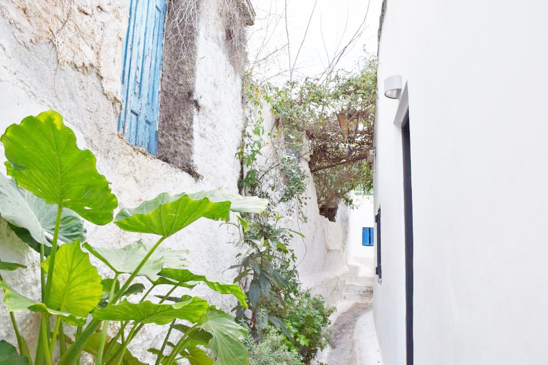 アクロポリスへの小道
