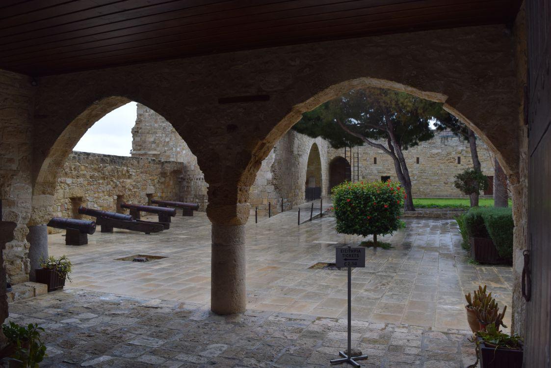 ラルナカ城-博物館-大砲
