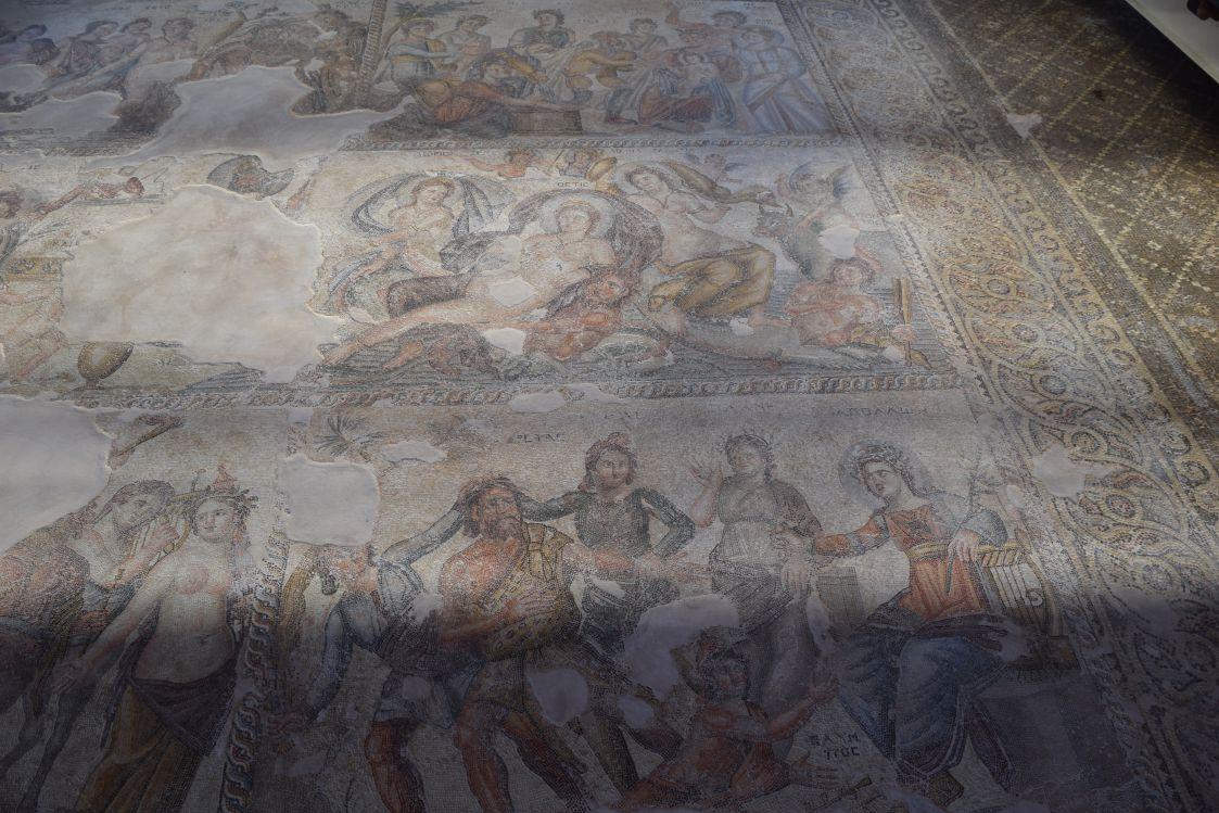 パフォス考古学公園-アイオンの家-アポロンとマルシュアス