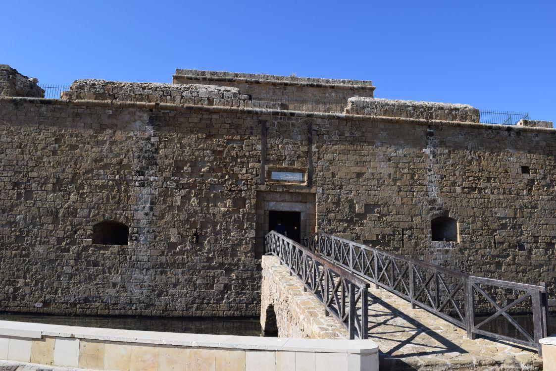 パフォス城の入口