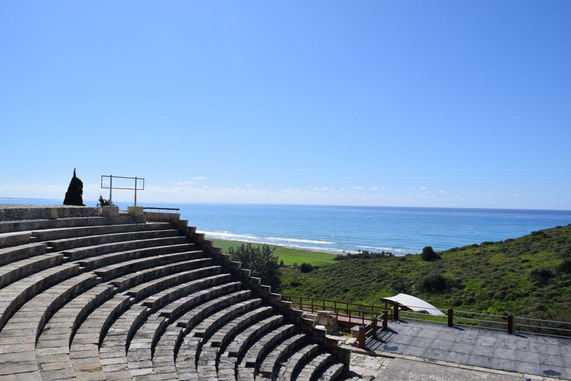 クリオン-遺跡-劇場と海