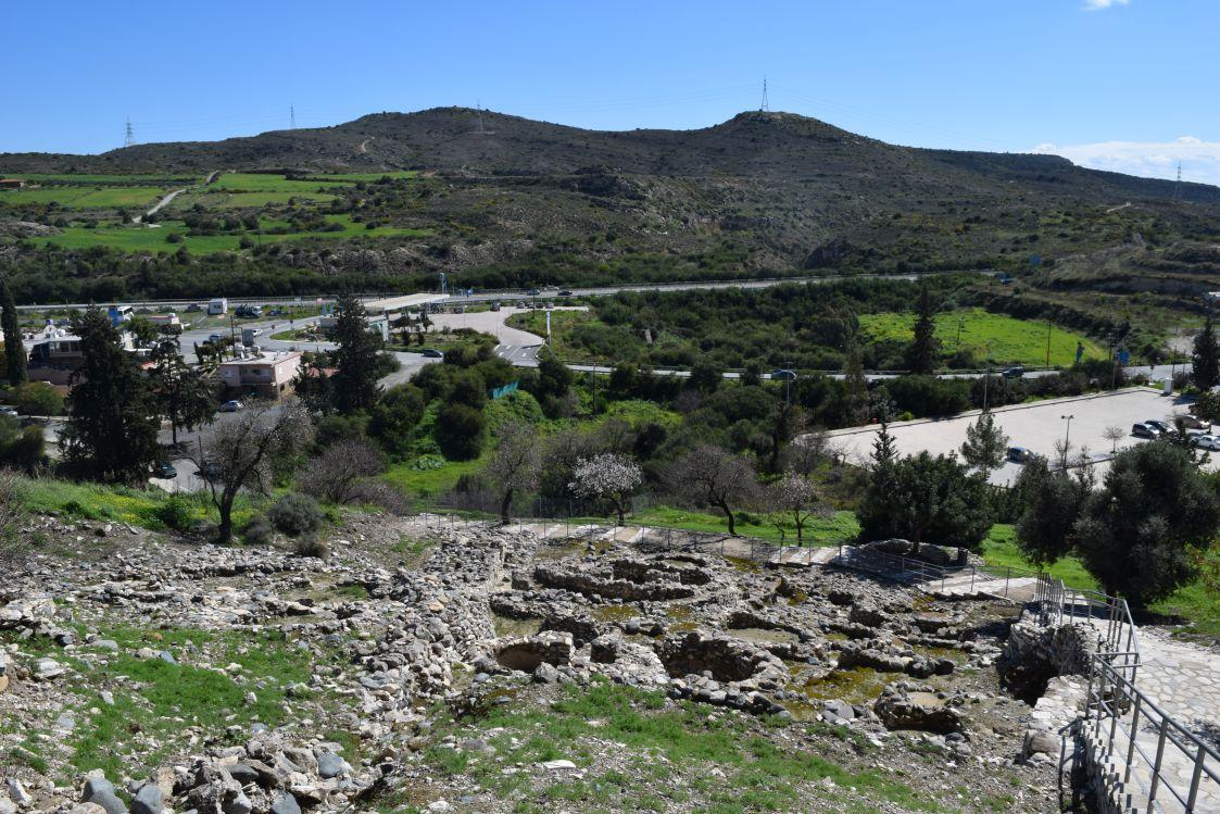 ヒロキティア-丘の住居群