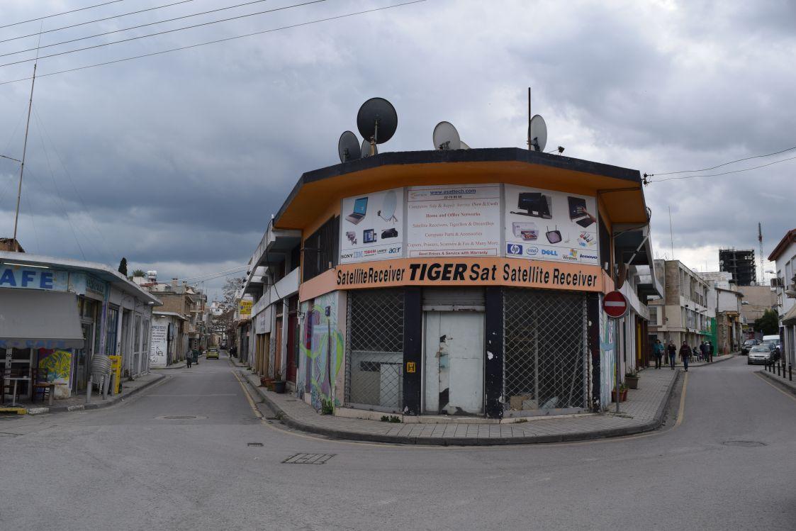 ニコシア-旧市街地-街角