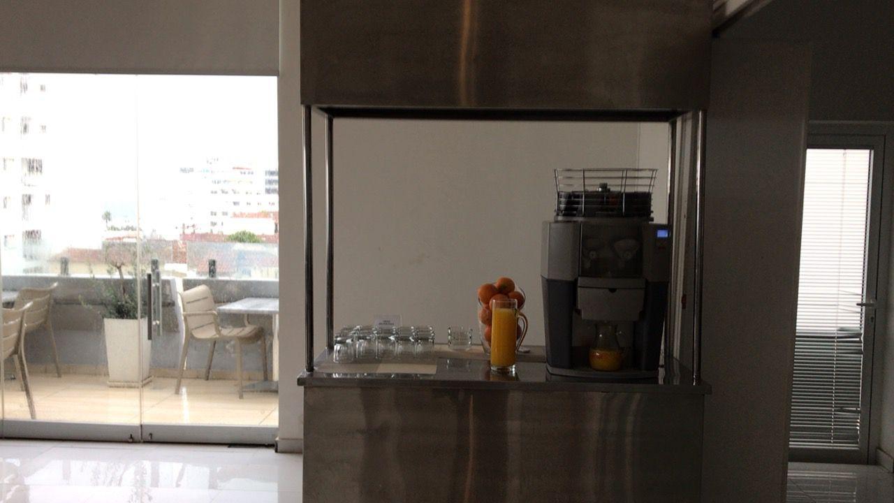 アキレオス シティ ホテル-朝食搾りたてジュース