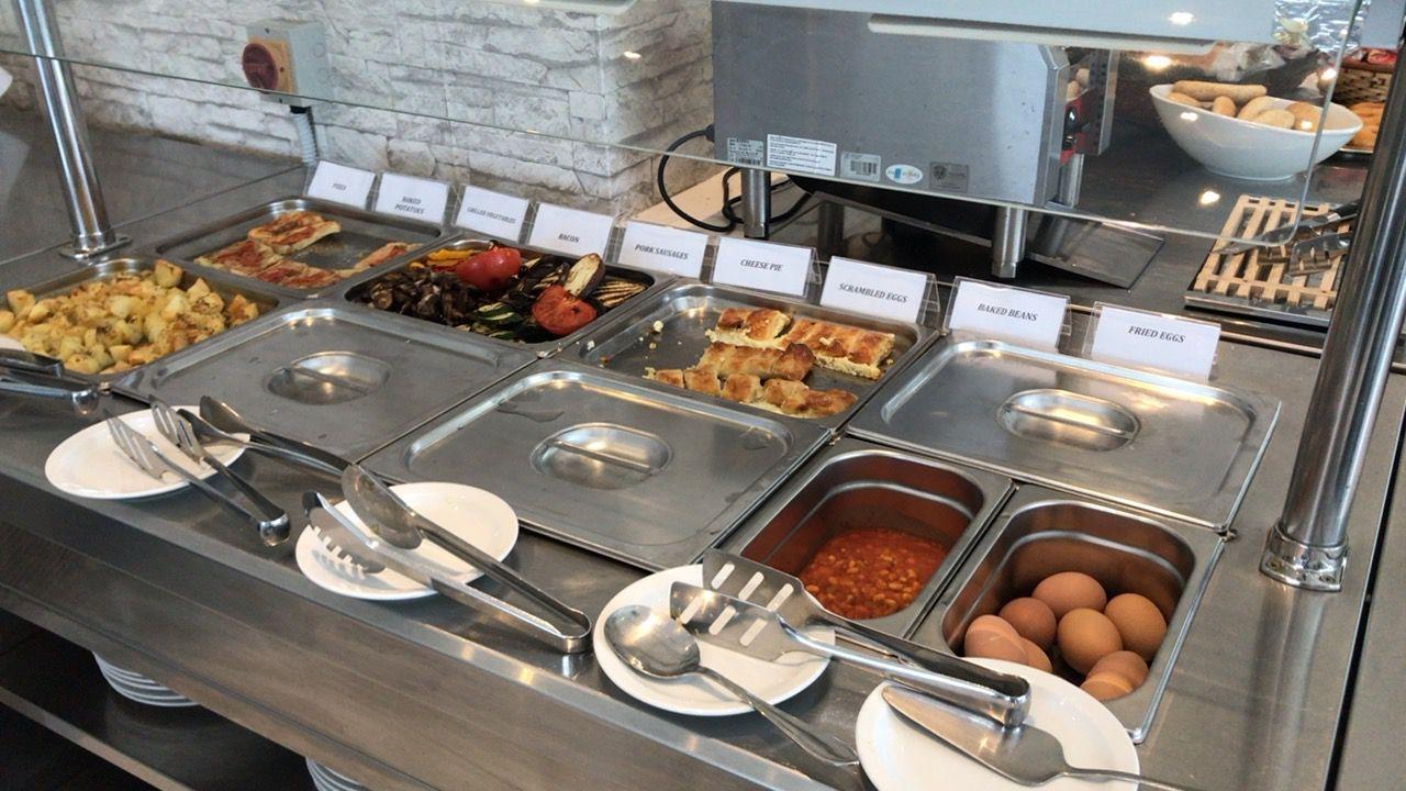 アキレオス シティ ホテル-朝食ホットミール