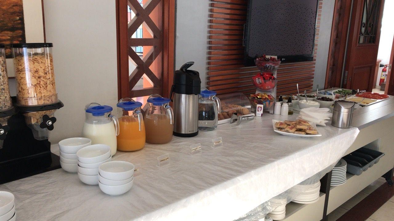 ピラモスホテル-朝食-ドリンク