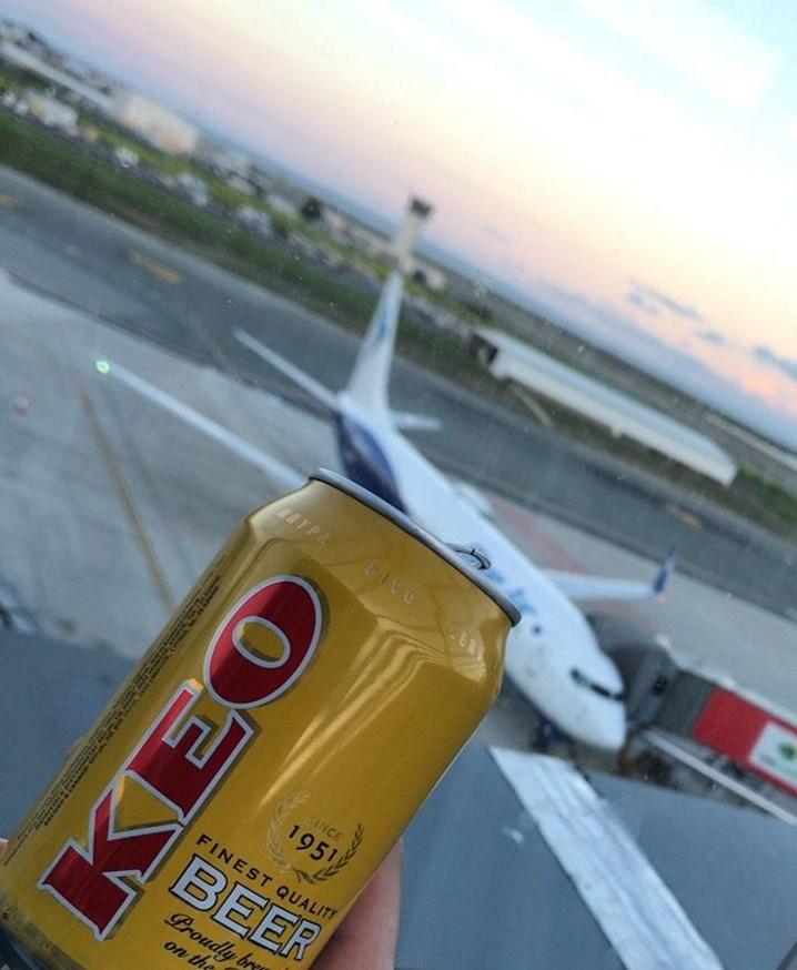 ラルナカ空港-ラウンジ-展望デッキ・飛行機