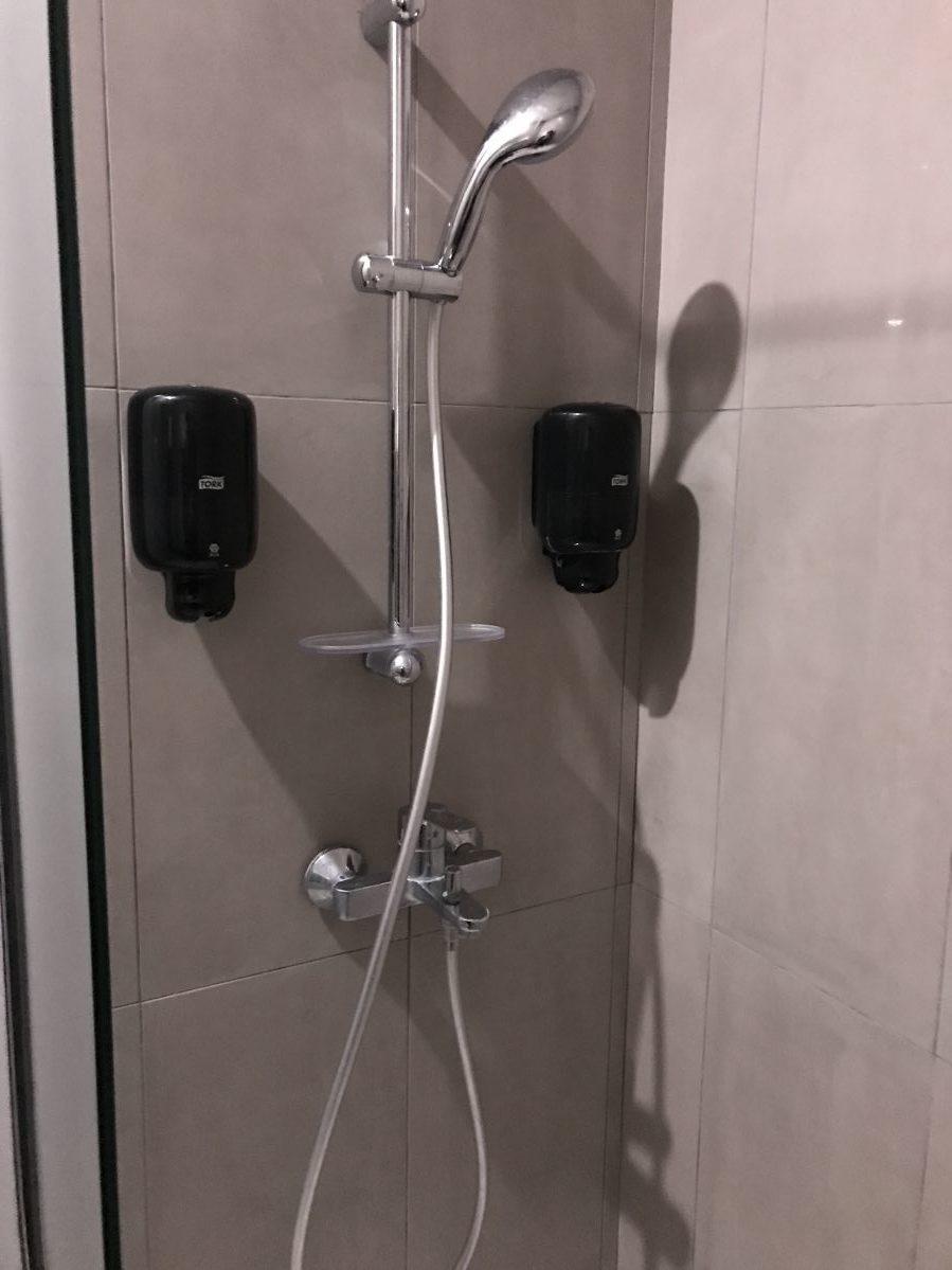 ラルナカ空港-ラウンジ-シャワー