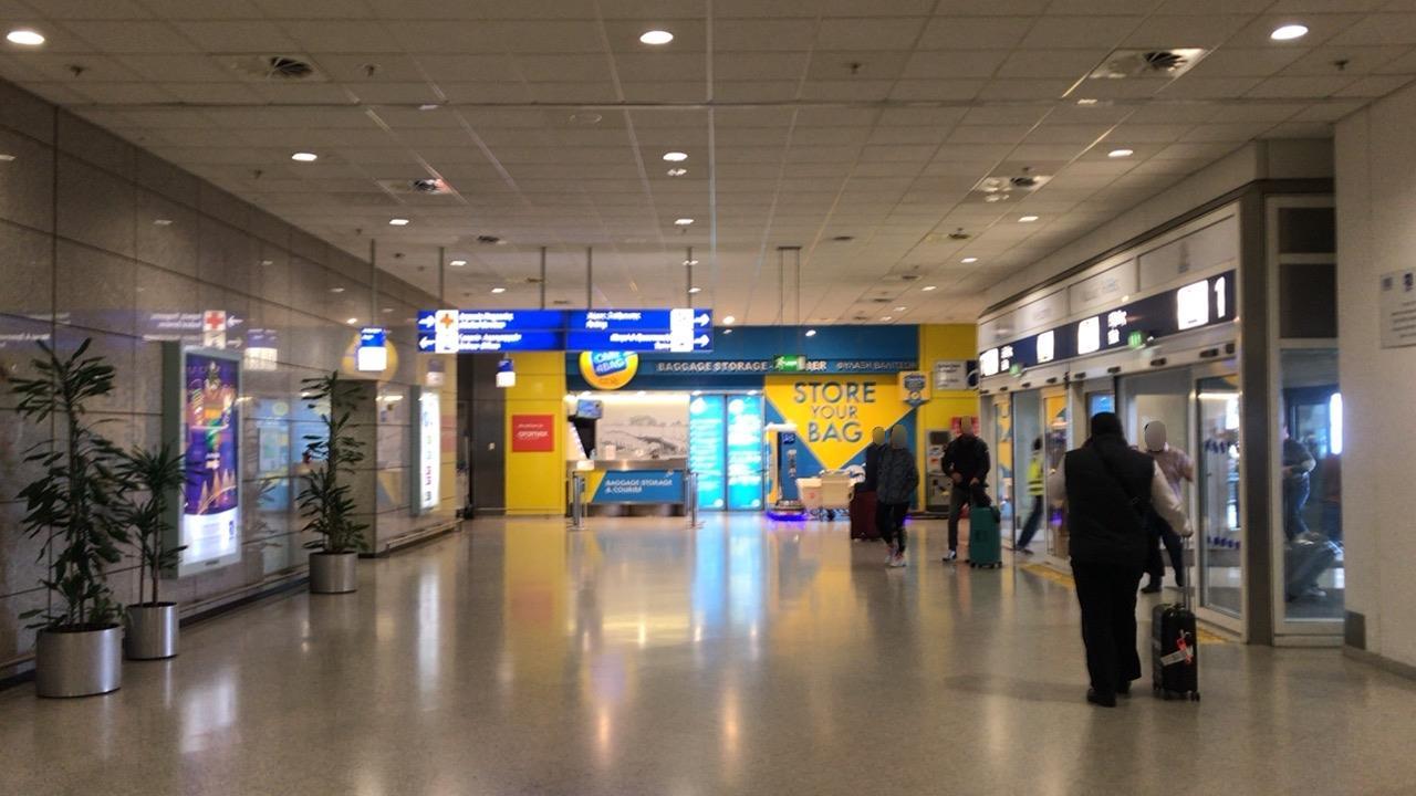 アテネ-空港-1階コンコース